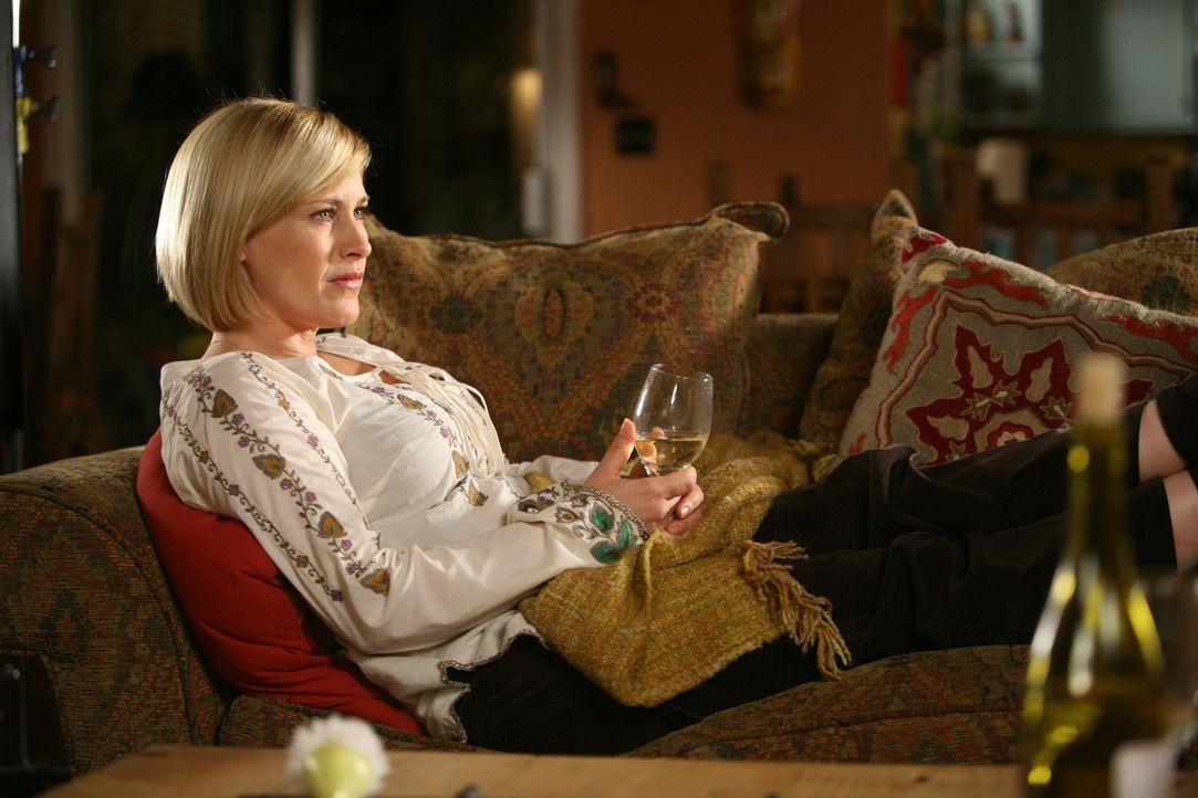 Nachdem Joes Mutter Allison erzählt hat, dass sie schwer krank ist, weiß Allison (Patricia Arquette) nicht so recht wie sie mit der Situation umgehe... - Bildquelle: Paramount Network Television