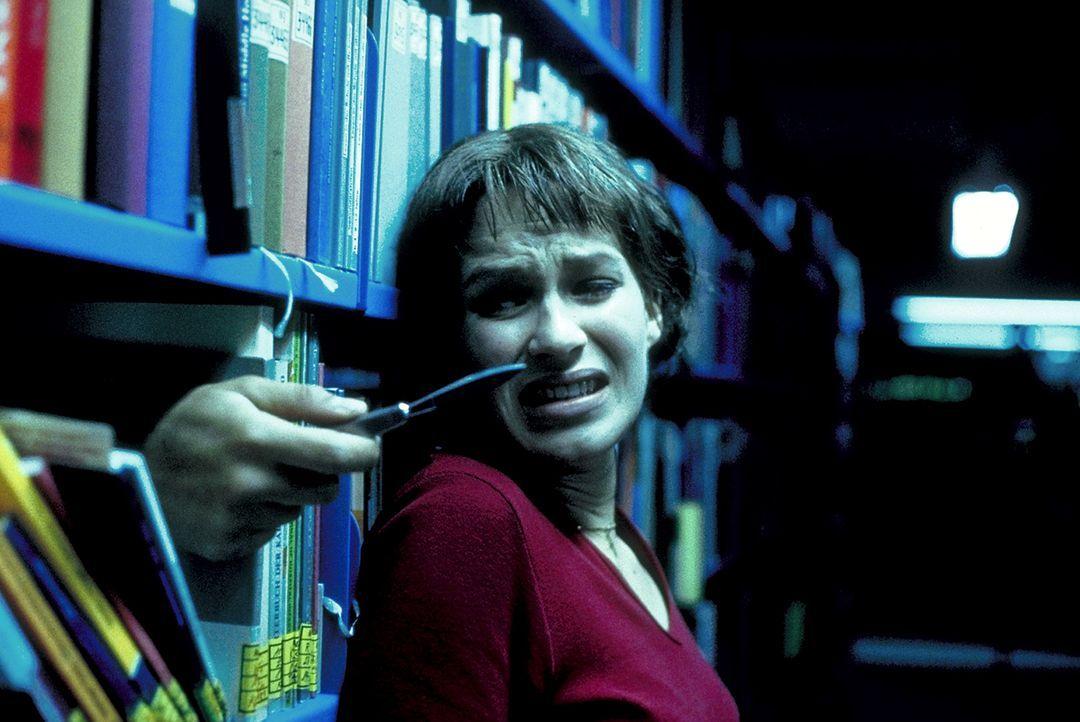 Allen Warnungen zum Trotz stellt Paula (Franka Potente) Nachforschungen an. Bald stößt sie auf einen mysteriösen Geheimbund ... - Bildquelle: Columbia Pictures