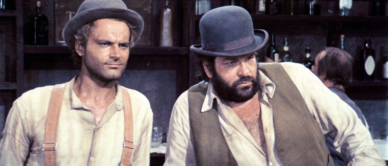 Mit den beiden Gangstern dem 'Kleinen' (Bud Spencer, r.) und dem 'müden Joe' (Terence Hill, l.) sollte man sich besser nicht anlegen ... - Bildquelle: AVCO Embassy Pictures