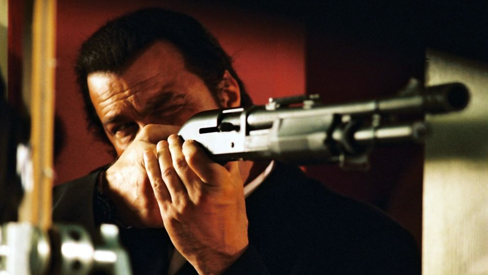 Steven Seagal - Out of Reach - Bildquelle: Franchise Pictures