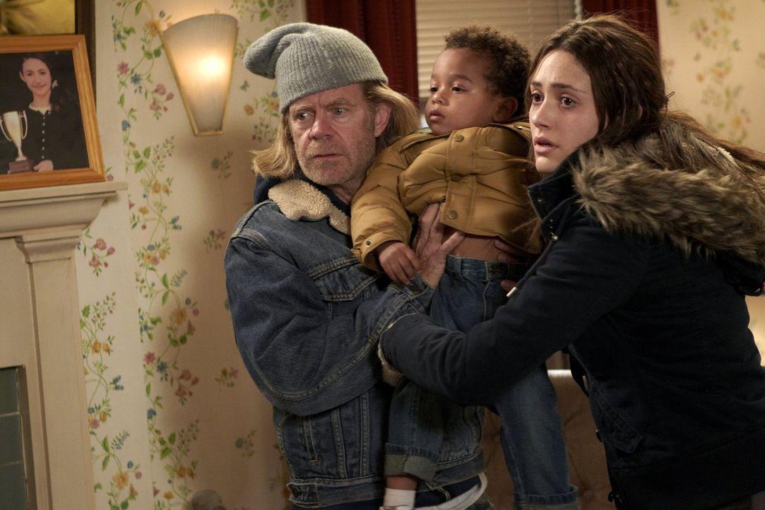 Wenn sie keine Ginger-Doppelgängerin für die Sozialarbeiterin auftreiben können, war es das für Frank (William H. Macy, l.) und Fiona (Emmy Rossum,... - Bildquelle: 2010 Warner Brothers