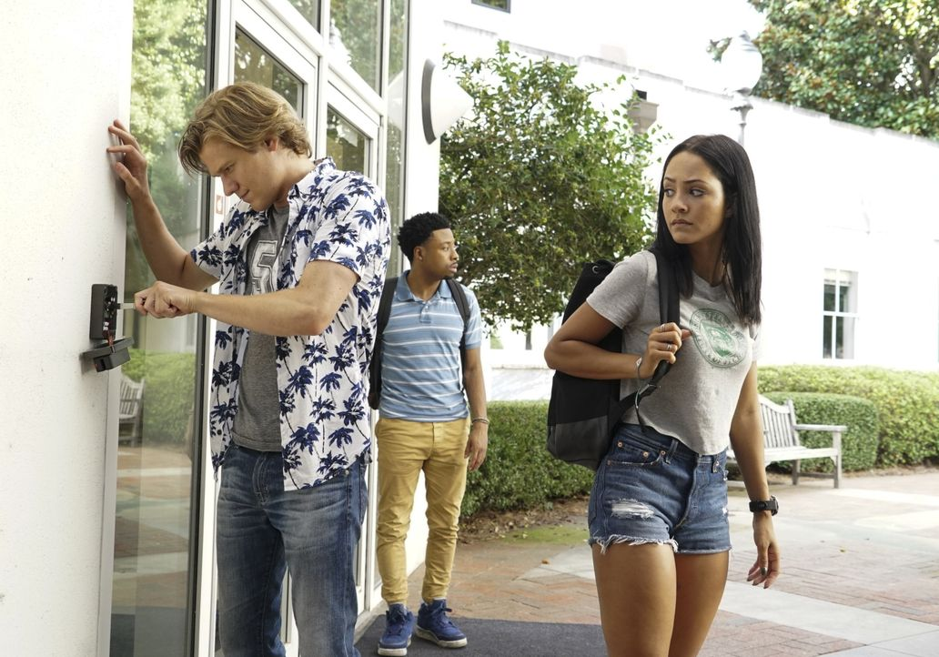 (v.l.n.r.) MacGyver (Lucas Till); Wilt Bozer (Justin Hires); Riley Davis (Tristin Mays) - Bildquelle: Annette Brown 2018 CBS Broadcasting, Inc. All Rights Reserved. / Annette Brown