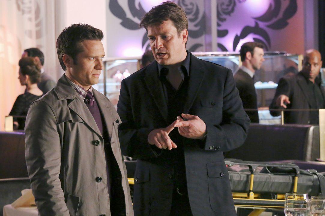 Richard Castle (Nathan Fillion, r.) ist eifersüchtig, weil Beckett einen Milliardär beschützen muss, der sofort anfängt mit ihr zu flirten. Er klagt... - Bildquelle: ABC Studios