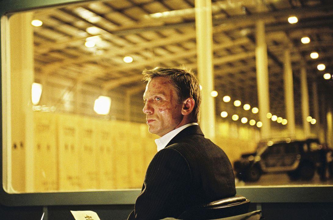 Eigentlich hat er (Daniel Craig) genug Geld als Drogendealer gemacht. Doch der erstrebte Ausstieg rückt in immer weitere Ferne ... - Bildquelle: 2004 Columbia Pictures Industries, Inc. All Rights Reserved.