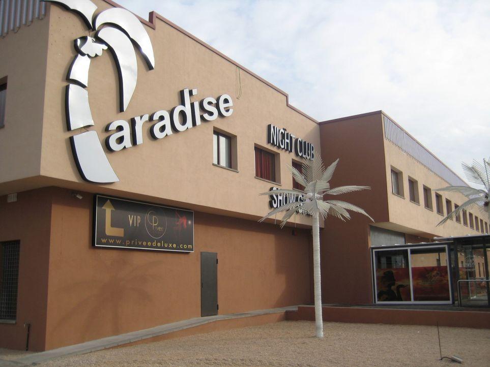 An der Spanisch-Französischen Grenze gibt es käufliche Liebe - quasi XXL. 200 Frauen, 80 Zimmer und unzählige erotische Extras. Als erstes deutsc... - Bildquelle: kabel eins