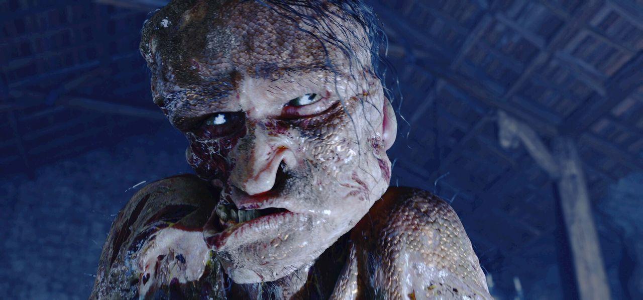 Verträgt keinen Lärm: Immer wenn König Hrothgar ein Fest gibt, taucht das Monster Grendel (Crispin Glover) in der Met-Halle auf und schlachtet die P... - Bildquelle: 2007 Warner Brothers International Television Distribution Inc.