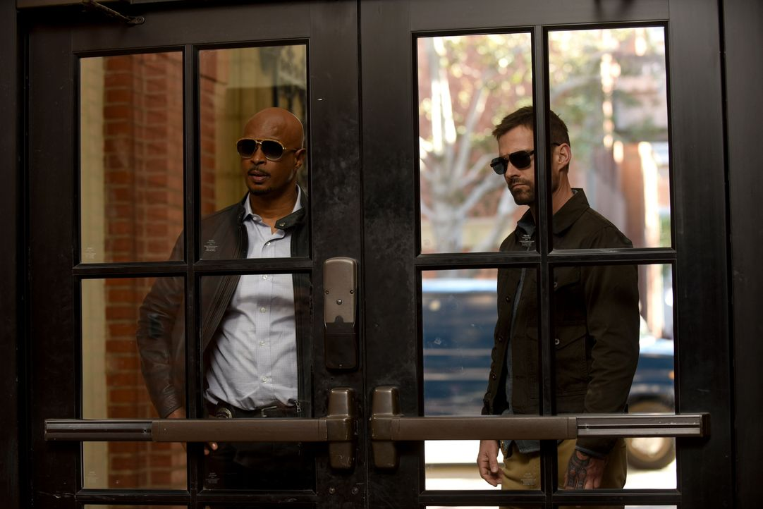 Roger Murtaugh (Damon Wayans, l.); Wesley Cole (Seann William Scott, r.) - Bildquelle: Ray Mickshaw 2019 Warner Bros. Entertainment Inc. All Rights Reserved. / Ray Mickshaw