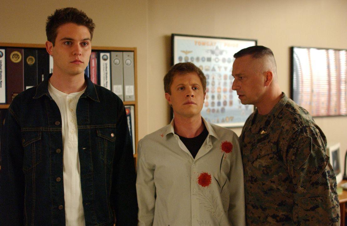"""Mitglieder der Gruppe """"Red Cell""""?: Kyle Zolin (Chase Ryan Jeffery,l.), Frank Smith (Kaj-Erik Eriksen, M.) und Captain Leeka (Sherman August, r.) ... - Bildquelle: CBS Television"""