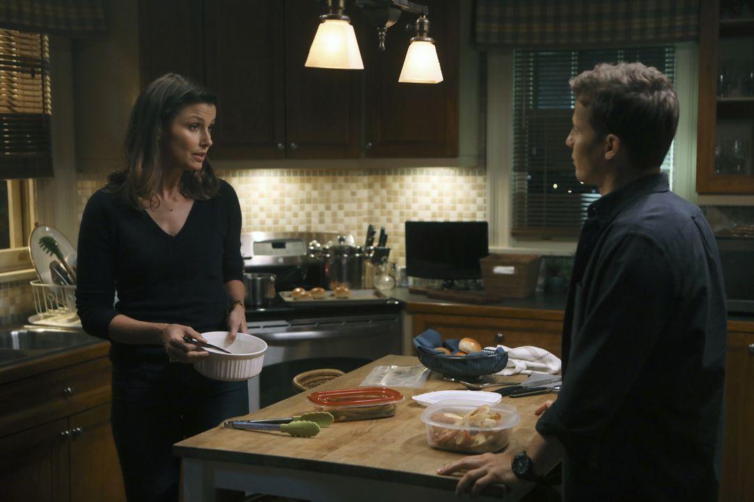 Erin Reagan (Bridget Moynahan, l.); Jamie Reagan (Will Estes, r.) - Bildquelle: Craig Blankenhorn 2017 CBS Broadcasting Inc. All Rights Reserved. / Craig Blankenhorn