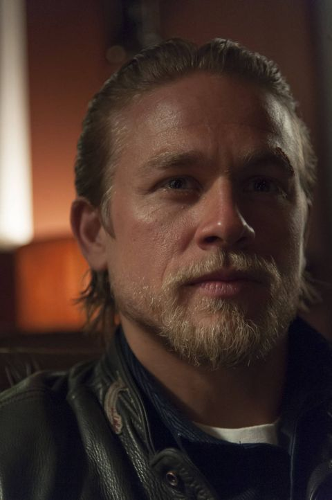 Sorgt für einige Veränderungen im Club: Jax (Charlie Hunnam) ... - Bildquelle: 2012 Twentieth Century Fox Film Corporation and Bluebush Productions, LLC. All rights reserved.