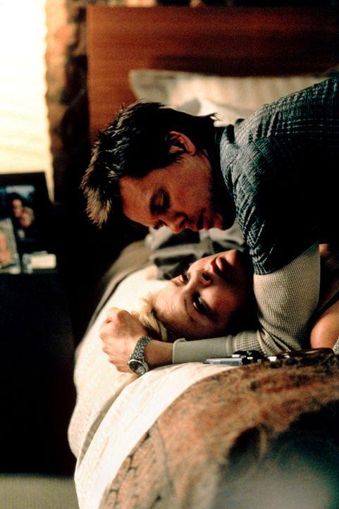 Die glückliche Familie Jennings wird Opfer von brutalen Lösegelderpressern. Ihre kleine Tochter wird gekidnappt und der skrupellose Joe (Kevin Bac... - Bildquelle: Senator Film