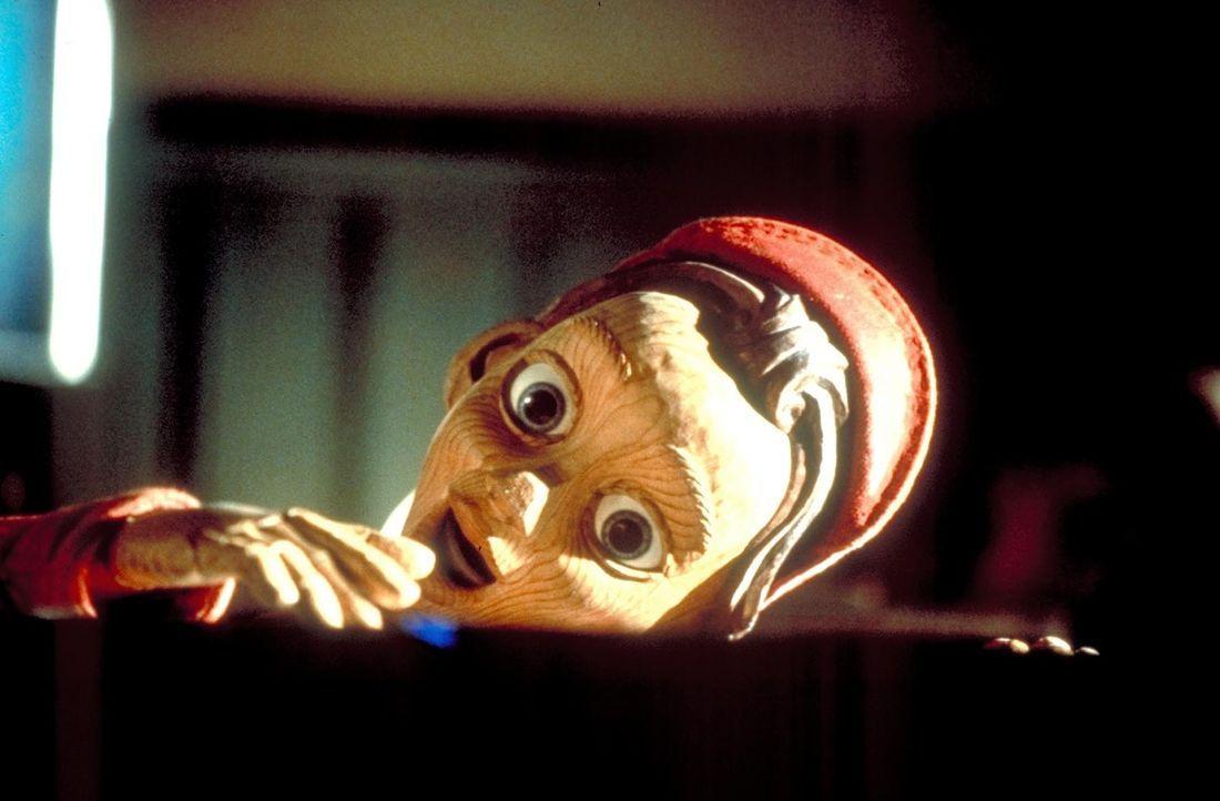 Pinocchio ist ein ungehorsames ''Kind''. Damit bringt er nicht nur sich immer wieder in Schwierigkeiten, sondern eines Tages sogar seinen Schöpfer... - Bildquelle: Warner Bros.