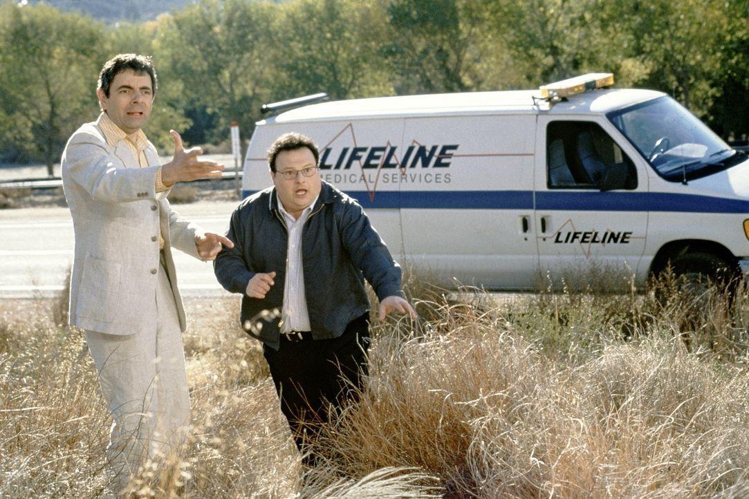 Eines Tages erhalten Enrico (Rowan Atkinson, l.) und Zack (Wayne Knight, r.) die Chance, bei einem Wettrenner zwei Millionen Dollar zu gewinnen. Mit... - Bildquelle: Senator Film