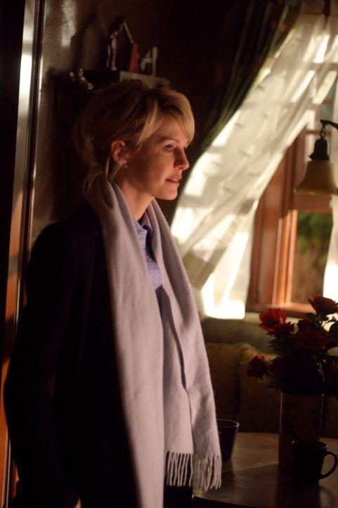 Auf Spurensuche: Det. Lilly Rush (Kathryn Morris) will herausfinden, ob Matthew im Jahre 1978 wirklich freiwillig aus dem Leben schied ... - Bildquelle: Warner Bros. Television