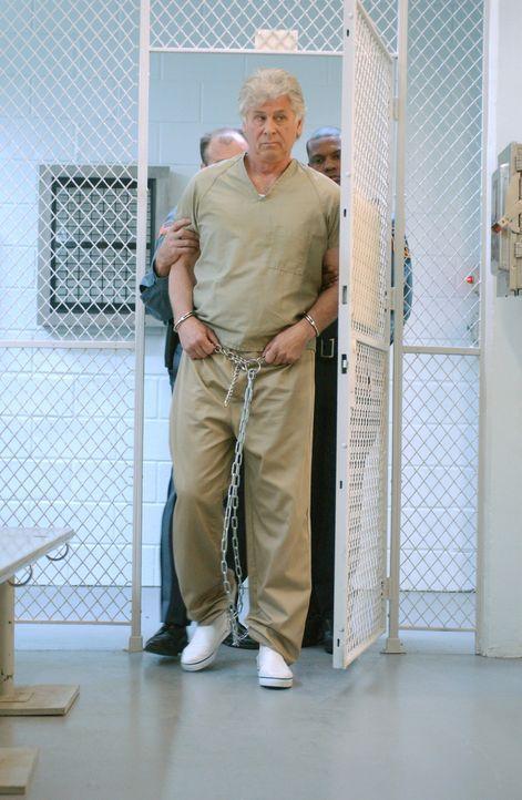 Nur der Fall des bereits 1977 in Philadelphia ermordeten Mike Cahill passt in Roys (Barry Bostwick) Opferschema. Doch hat er diese Tat tatsächlich b... - Bildquelle: Warner Bros. Television