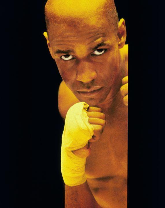 Rubin Carter (Denzel Washington) hat einen Großteil seiner Jugend in einer Besserungsanstalt zugebracht. Später kämpft er sich buchstäblich an die S... - Bildquelle: BEACOM