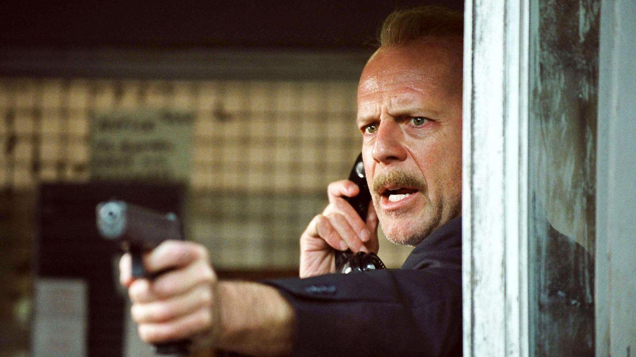 """Bruce Willis in """"16 Blocks"""" - Bildquelle: dpa"""