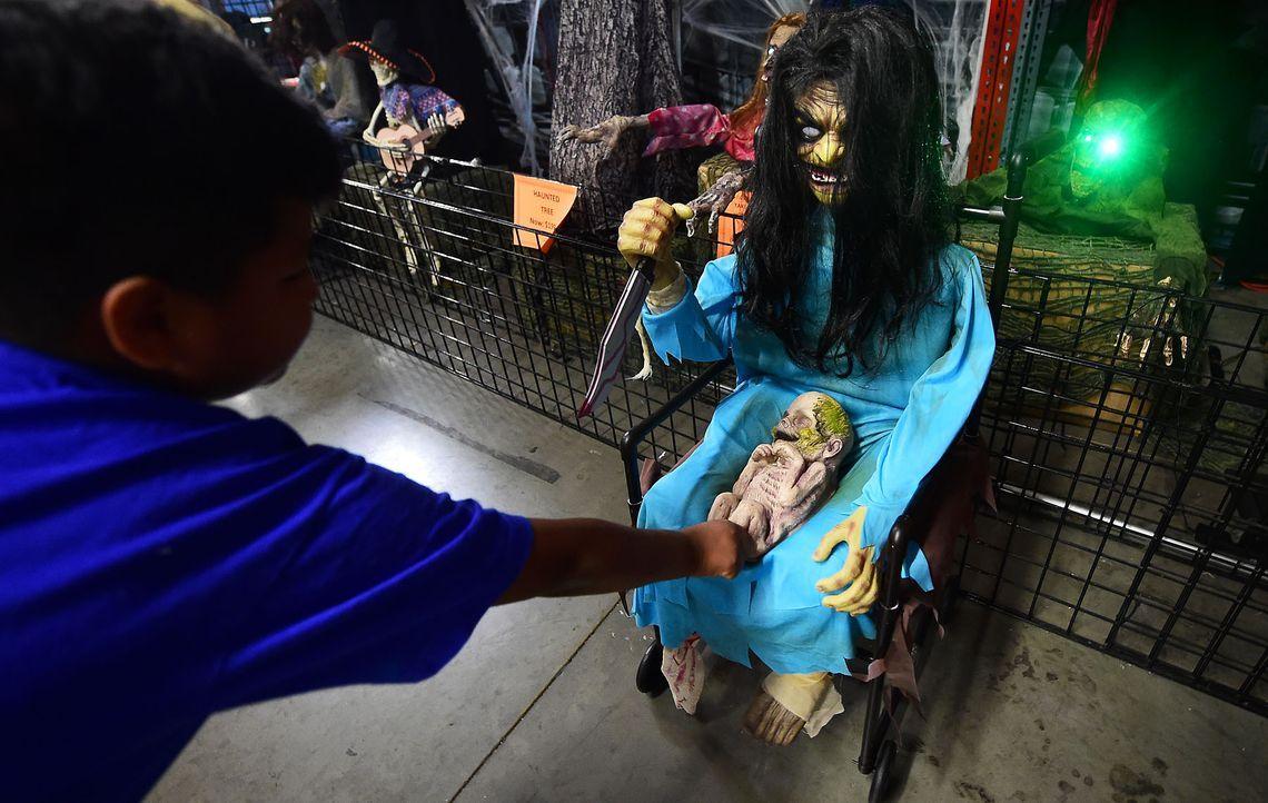 Halloween-Club-Store-14-10-16-2-AFP - Bildquelle: AFP