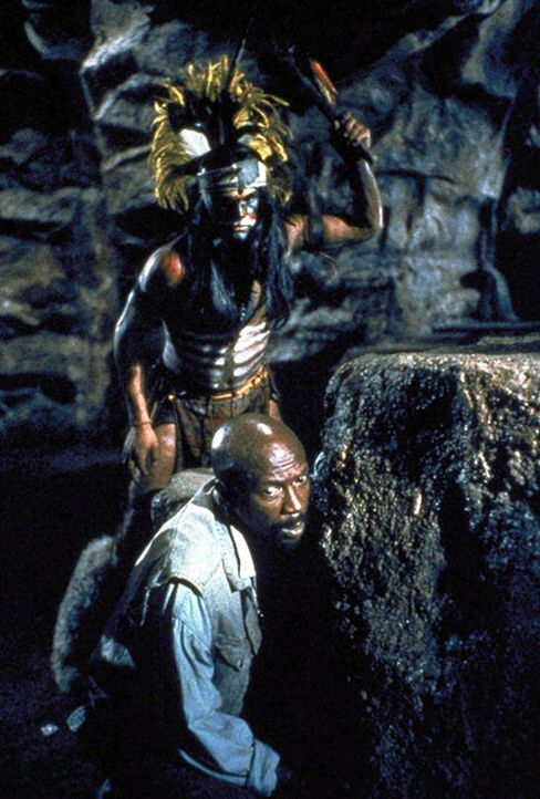 Endlich in der Schatzhöhle der Azteken: Doch dort wartet noch eine große Überraschung auf Leo (Louis Gossett, Jr.)  ... - Bildquelle: Cannon Films