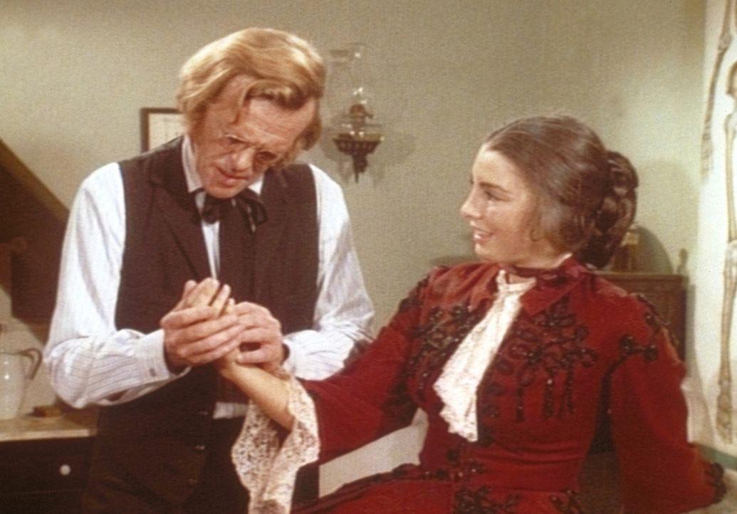 Bei ihrem Besuch in Walnut Grove verliebt sich die junge Kate Thorvald (Anne Archer, r.) in den wesentlich älteren Hurrom Baker (Kevin Hagen, l.).... - Bildquelle: Worldvision
