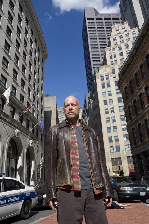 Nach vielen Jahren muss FBI-Agent Tom Greer (Bruce Willis) sein Haus verlassen und wieder auf seine menschlichen Fähigkeiten zurückgreifen, als sein... - Bildquelle: Stephen Vaughan Touchstone Pictures.  All Rights Reserved