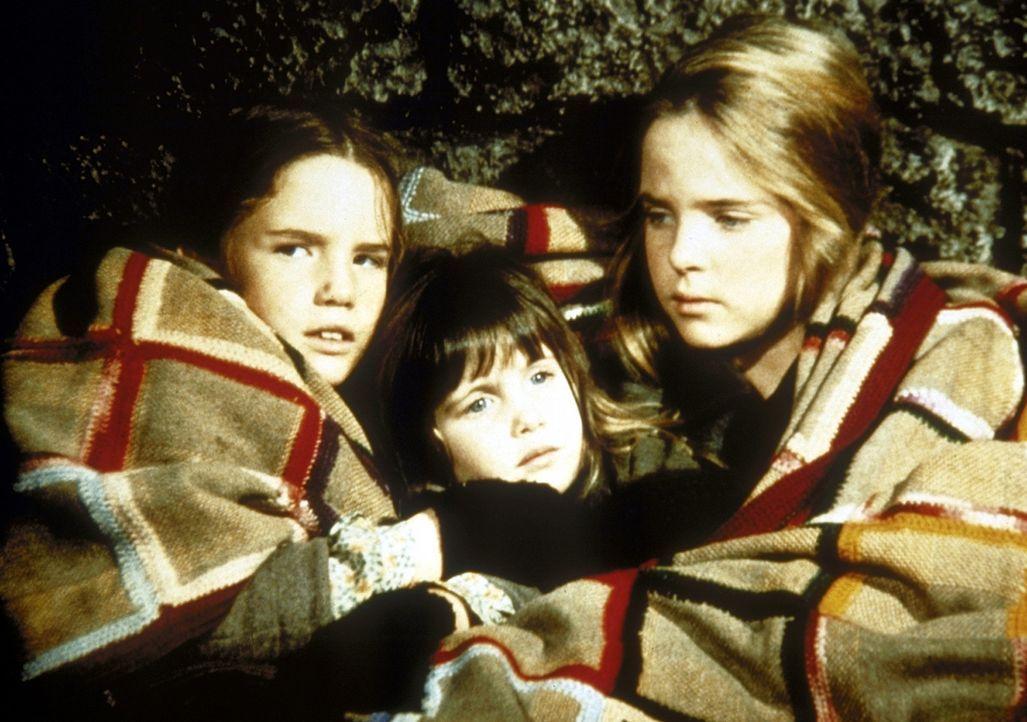 (v.l.n.r.) Laura (Melissa Gilbert), Carrie (Lindsay Sidney Greenbush) und Mary (Melissa Sue Anderson) können nicht einschlafen ... - Bildquelle: Worldvision
