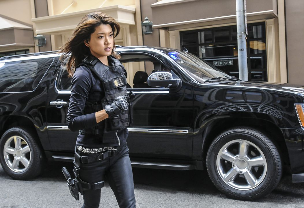 Zwei Serienmörder werden vom Five-0 Team mit Schachfiguren in dem Mund tot aufgefunden. Für Kono (Grace Park) und ihre Kollegen heißt es nun, alles... - Bildquelle: Norman Shapiro 2016 CBS Broadcasting, Inc. All Rights Reserved / Norman Shapiro