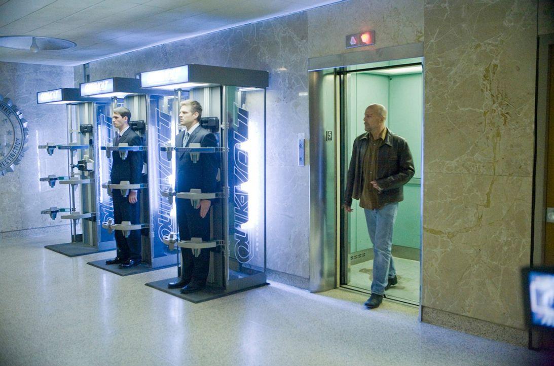 Im Jahr 2054 bestimmen die Surrogates das Leben der gesamten Menschheit. Roboter übernehmen sämtliche Aufgaben eines Menschen. Doch als FBI-Agent To... - Bildquelle: Stephen Vaughan Touchstone Pictures.  All Rights Reserved