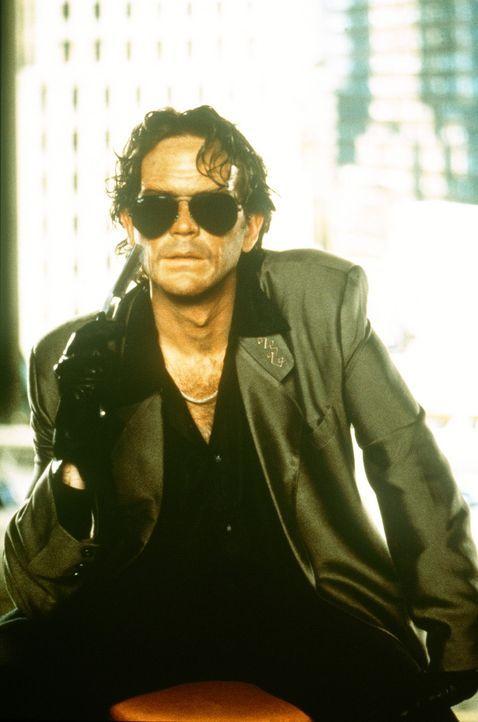 """Erwacht: Die auf das Papier gebannte """"dunkle Seite"""" des Schriftstellers Thad Beaumont lässt blutige Horrorszenarien erwachen. Sie nennt sich George... - Bildquelle: Orion Pictures Corporation"""