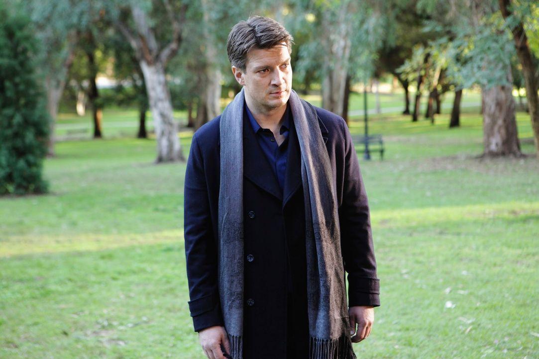 Am Fundort der Leiche bietet sich Richard Castle (Nathan Fillion) ein grausiger Anblick. - Bildquelle: ABC Studios