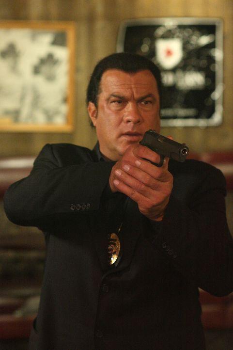 Muss zwei gefährliche Serienkiller dingfest machen: Detective Jacob King (Steven Seagal) ... - Bildquelle: Nu Image
