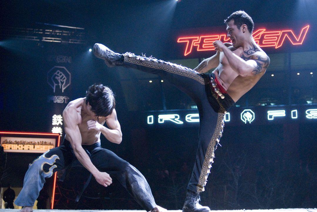"""Nur ein Kämpfer kann das """"Iron Fist Turnier gewinnen. Doch dazu muss er alle anderen Teilnehmer ausschalten ... - Bildquelle: 2010 CST PRODUCTIONS, LLC   ALL RIGHTS RESERVED"""
