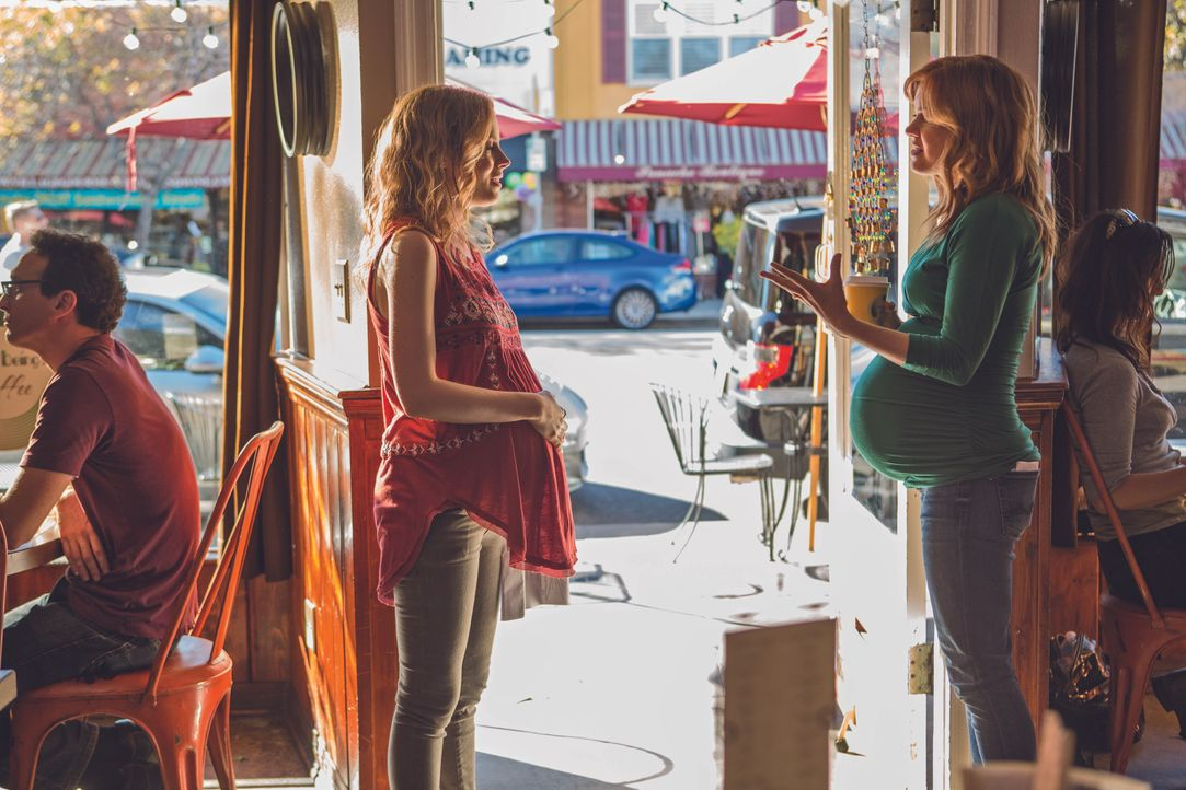 Sadie (Gillian Jacobs, l.); Eveleigh Maddox (Isla Fisher, r.) - Bildquelle: 2014 Visions Productins LLC. All rights reserved.