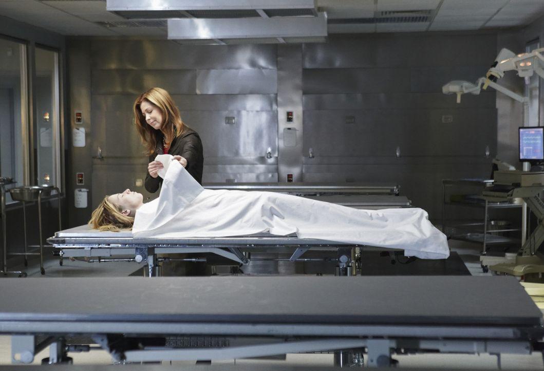 Versucht auf ihre eigen Art und Weise Verbrechen aufzuklären: die forensische Leichenbeschauerin Dr. Megan Hunt (Dana Delany) ... - Bildquelle: 2010 American Broadcasting Companies, Inc. All rights reserved.