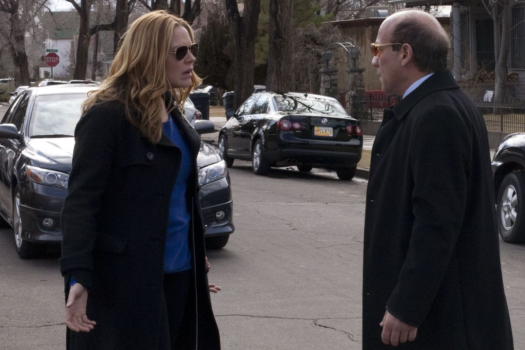 Mary Shannon (Mary McCormack, l.); Stan McQueen (Paul Ben-Victor, r.) - Bildquelle: Cathy Kanavy 2012 Universal Network Television, LLC. All Rights Reserved. / Cathy Kanavy
