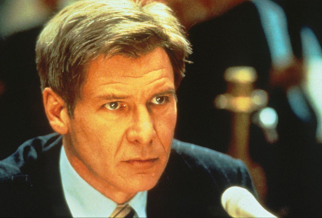 CIA-Mann Jack Ryan (Harrison Ford) kommt bei seinen Ermittlungen zu einem verblüffenden Ergebnis: Der Ermordete, ein enger Freund des US-Präsident... - Bildquelle: Paramount Pictures