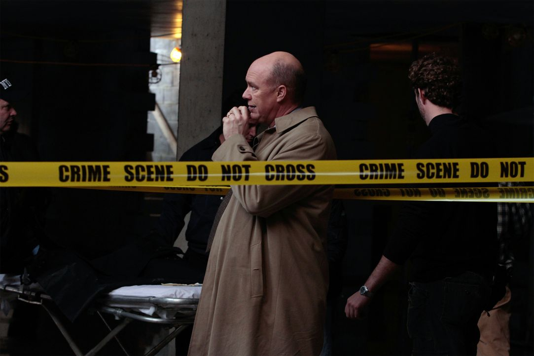 Auf der Suche nach einem Mörder: Mike (Michael Gaston) ... - Bildquelle: 2011 CBS Broadcasting Inc. All Rights Reserved.