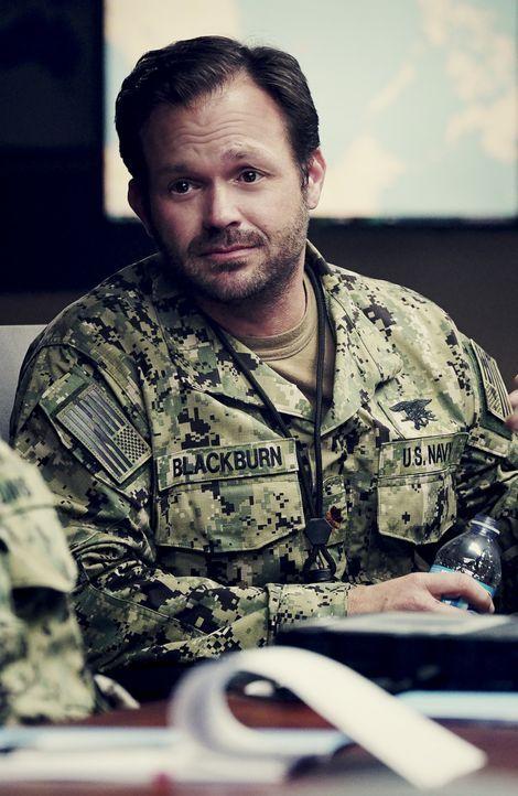 Blackburn (Judd Lormand) begibt sich mit den Navy SEALs auf eine gefährliche Rettungsmission im südchinesischen Meer, doch der Einsatz verläuft ande... - Bildquelle: Monty Brinton Monty Brinton/CBS   2017 CBS Broadcasting, Inc. All Rights Reserved. / Monty Brinton
