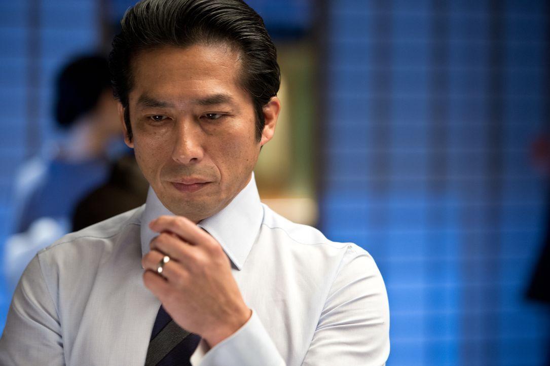 Shingen (Hiroyuki Sanada) gefällt es überhaupt nicht, dass sich Logan in seine Halbschwester verliebt hat, die noch dazu das Vermögen des Vaters gee... - Bildquelle: Ben Rothstein 2013 Twentieth Century Fox Film Corporation. All rights reserved. / Ben Rothstein