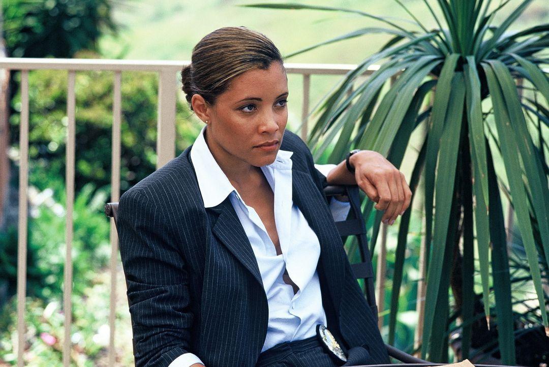 Erkennt die Grenzen zwischen Gut und Böse nicht mehr eindeutig: die attraktive Polizistin Beth (Michael Michele) ... - Bildquelle: Tobis Film
