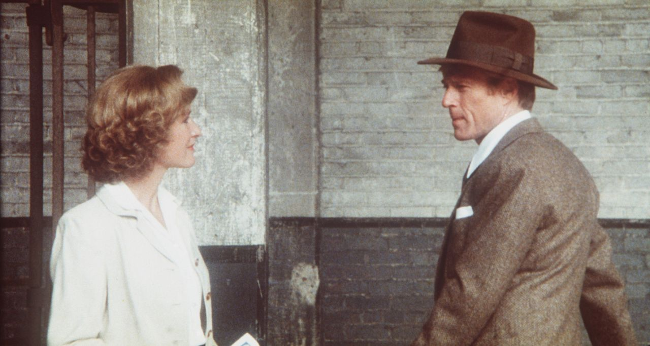 Seine Jugendliebe Iris Gaines (Glenn Close, l.) hilft dem Baseballspieler Roy Hobbs (Robert Redford, r.) auf seinem Weg nach ganz oben ... - Bildquelle: TriStar Pictures