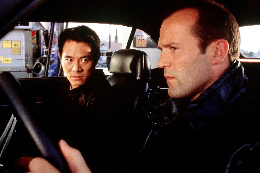 Eines Tages bekommen es der Polizist Gabriel (Jet Li, l.) und der Spezialagent Evan Funsch (Jason Statham, r.) mit einem außergewöhnlichen Gegner... - Bildquelle: Senator Film
