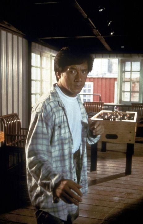 Jackie (Jackie Chan) legt sich mit dem Gangster Cougar an, der wie er eine Schwäche für Autorennen hat ... - Bildquelle: New Line Cinema