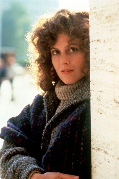 Die hübsche Dana (Sigourney Weaver) fühlt sich zu dem Geisterjäger Peter Venkman hingezogen, - Bildquelle: Columbia Pictures