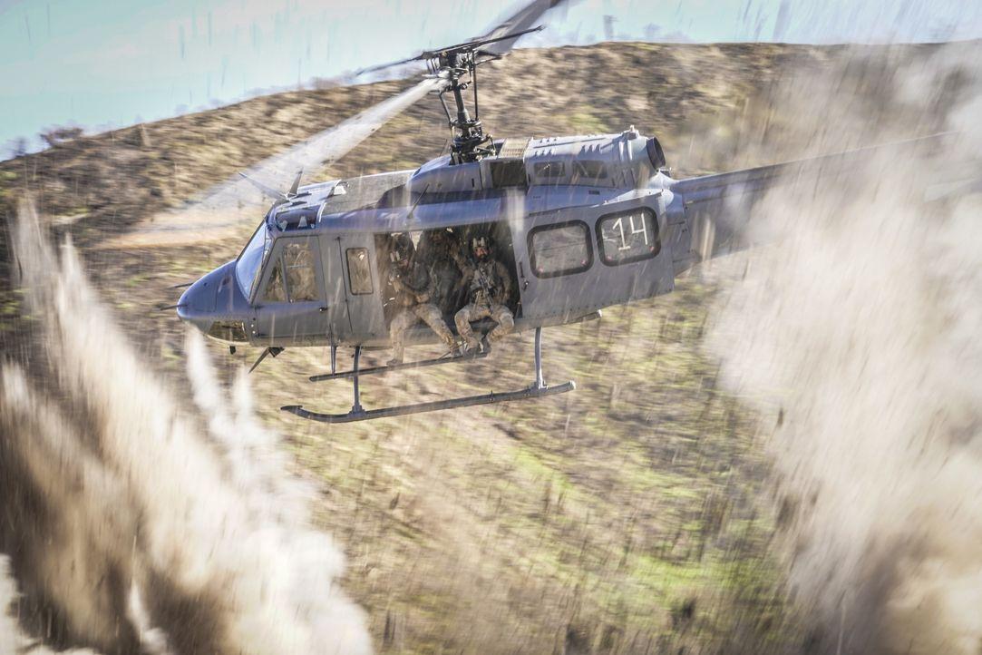 Eine Mission stellt sich als Falle heraus und das Seal-Team gerät in große Gefahr ... - Bildquelle: Erik Voake CBS © 2018 CBS Broadcasting, Inc. All Rights Reserved. / Erik Voake