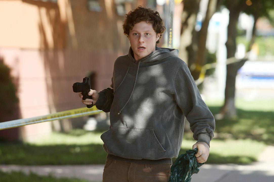 Mark Tisdale (Noah Reid) hört in seinem Kopf Stimmen, die ihm befehlen, Dinge zu tun - gehörte dazu auch der Mord an dem unsympathischen Hausverwalt... - Bildquelle: BetaFilm