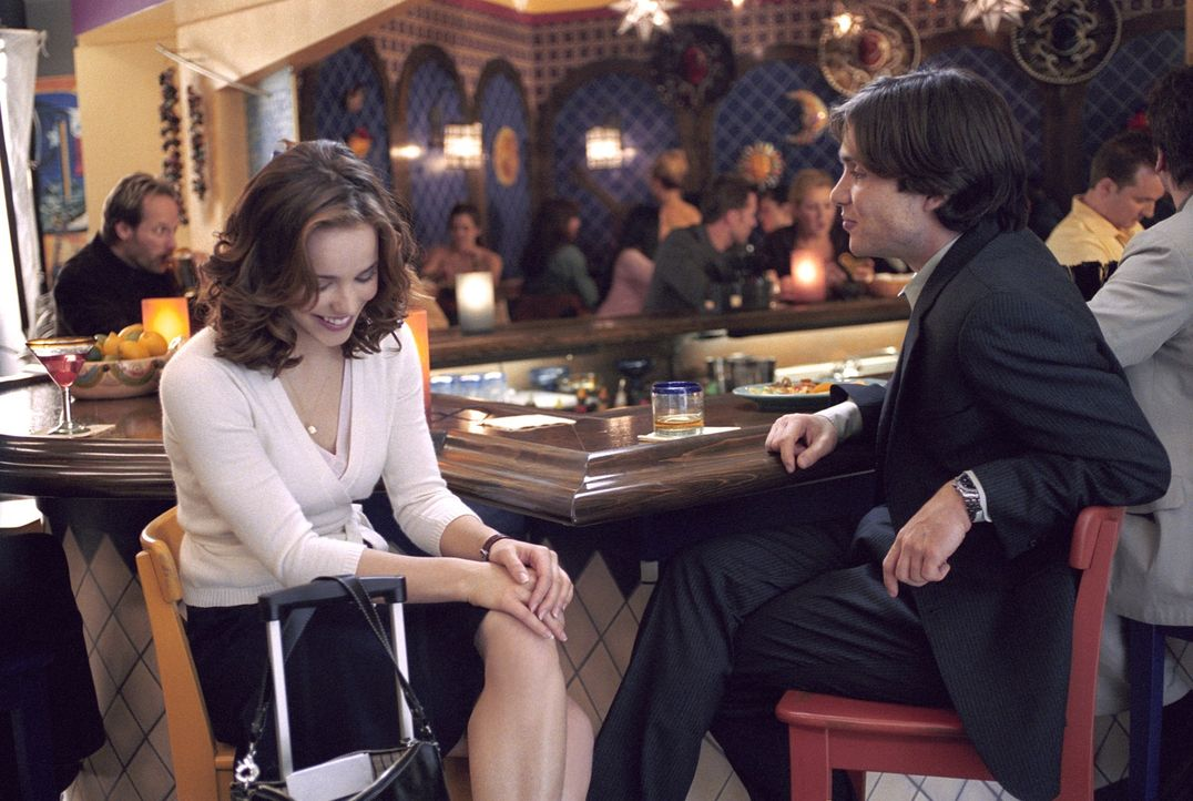 Die Chemie stimmt: Zunächst fühlt sich Lisa (Rachel McAdams, l.) zu dem attraktiven Jackson (Cillian Murphy, r.) hingezogen. Doch dann zeigt der Man... - Bildquelle: Telepool GmbH