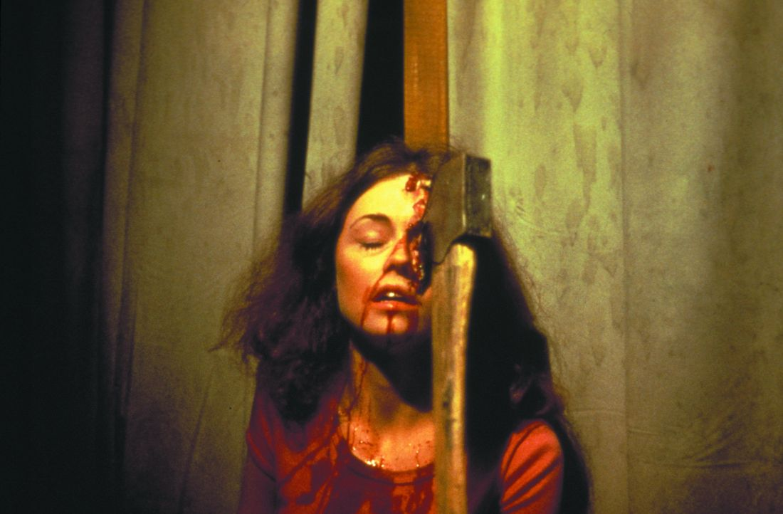 Auch Brenda (Laurie Bartram) wird Opfer des grausamen Serienkillers ... - Bildquelle: 1980 Warner Brothers International Television Distribution Inc.