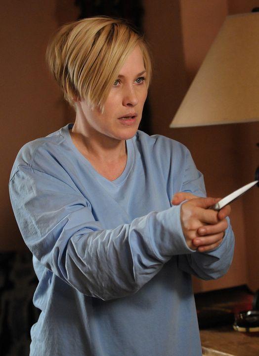 Allison (Patricia Arquette) ist schockiert als sie neben einem scheinbar fremden Mann aufwacht ... - Bildquelle: Paramount Network Television
