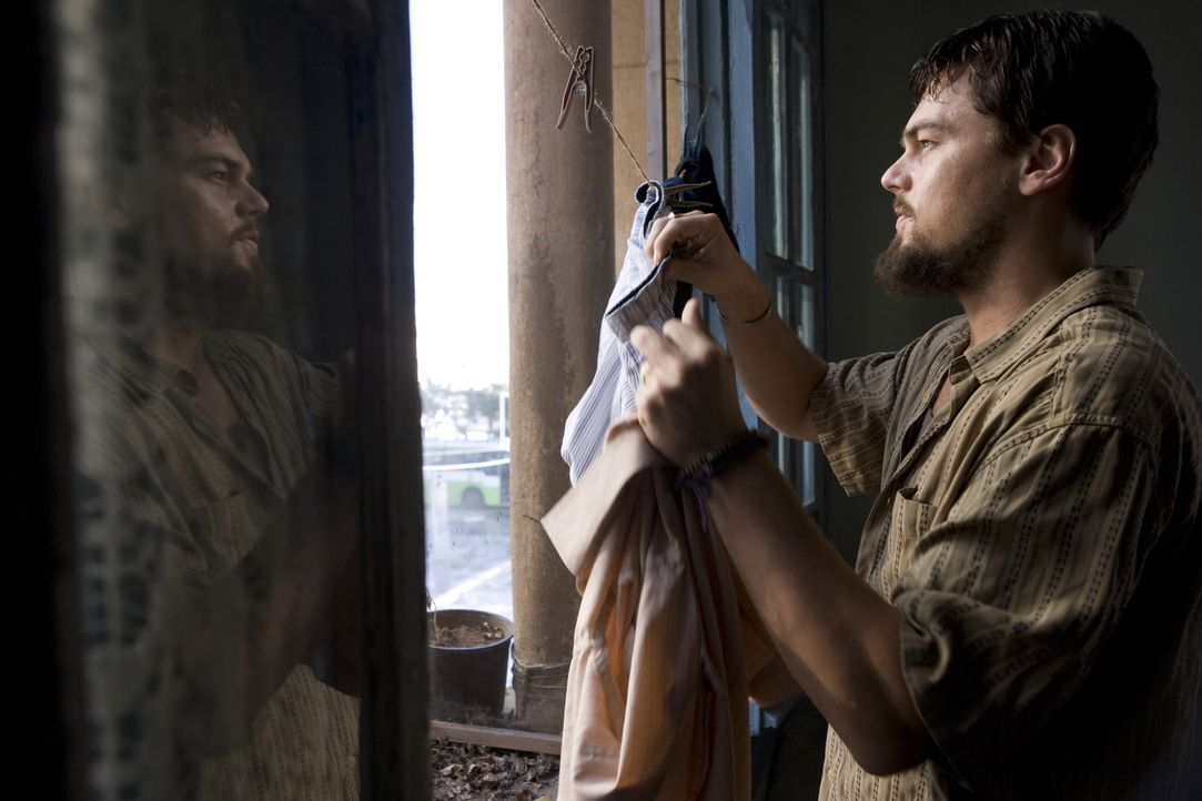 Um an Informationen über die Terrororganisation von Scheich Al-Saleem zu kommen, schließt CIA-Agent Roger Ferris (Leonardo DiCaprio) ein Bündnis mit... - Bildquelle: Warner Brothers